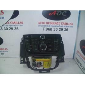 Mando de radio y altavoces Opel Astra J 1.7 cdti año 2010