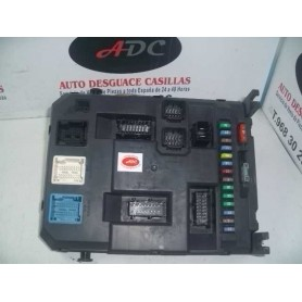 Caja fusibles Citroen C3 Picasso 1.6 hdi año 2011